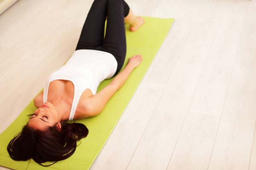 Learn how to contract your abdomen during exercise